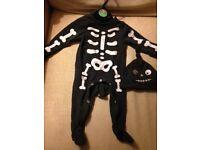 Halloween baby skeleton sleepsuit and hat. 3-6 months. Tu