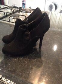 Ladies new looks size 5 heels