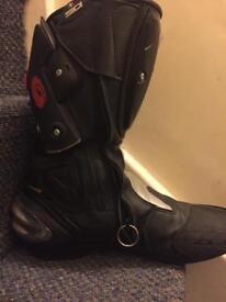 Sidi Vertigo motorbike boots - size 9.5