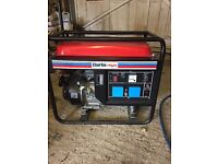Generator 2.8 kva only used 2 hrs as new 2 x 230 volt large fuel tank