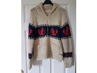 Cosy knitted cardigan. Size: EUR.38 (approx 8/10)