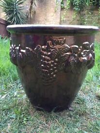 Terracotta planter/ pot