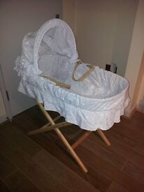 Moses Basket, Folding Stand & Bedding