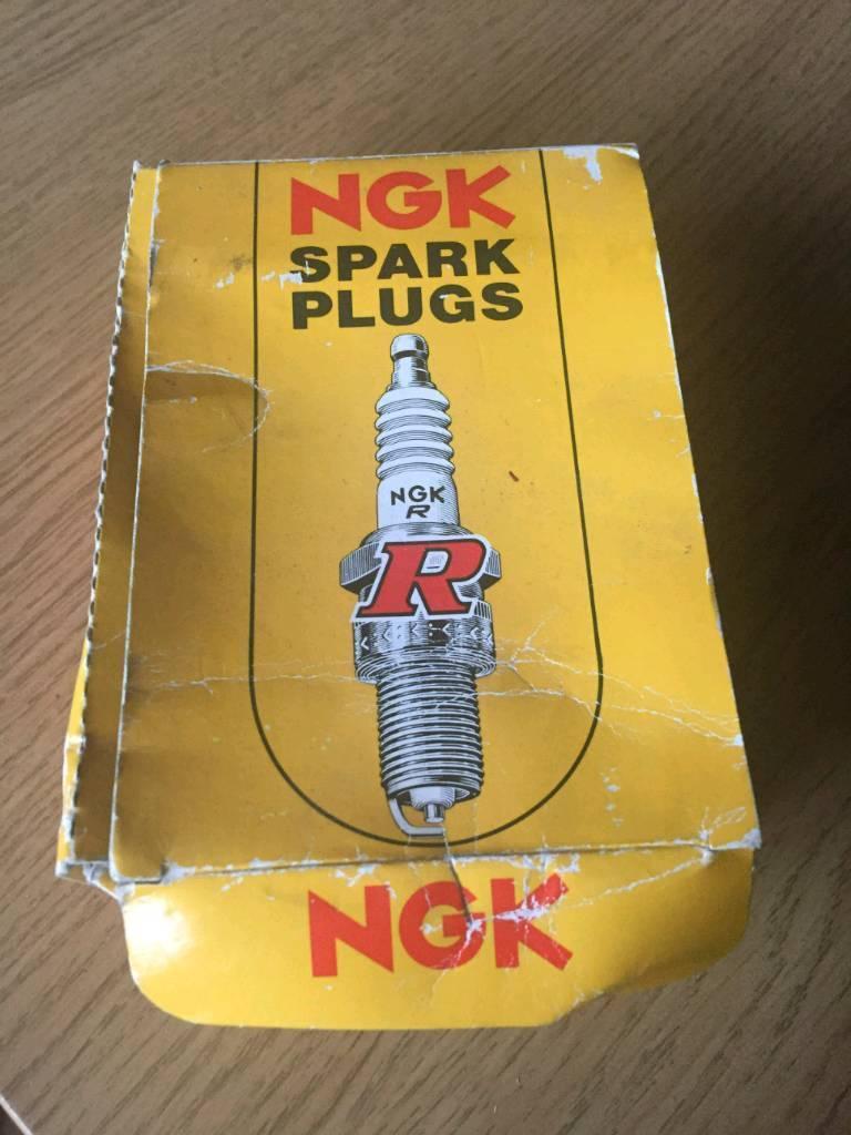 Ngk spark plugs BPR5ES x 6 *new*
