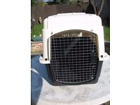 Petmate Ultra Vari Kennel 32 inch airline approved