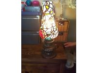 Tiffany style table lamp in excellent condition