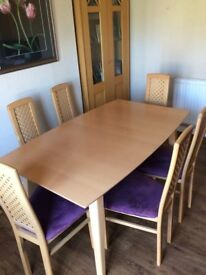 Extending Dining Table & 6 Chairs.