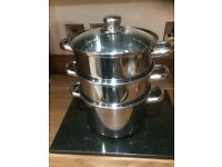 Saucepan with 2 stacking steamers.