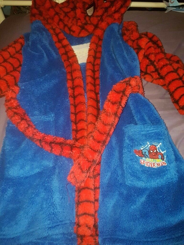 Spider man dressing gown 6 to 7
