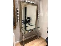 MIRRORED DRESSING TABLE. Free delivery!!!