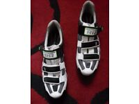 RR XC bike shoes size 10.5 UK (43-44 EU), excellent condition, MTB, commuter tough comfy cycling