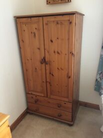 Matching bedroom furniture £80