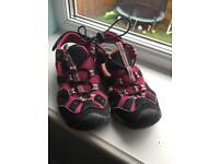 Regatta size 13 shoes