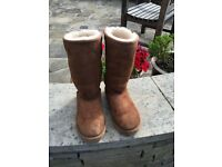 Tall genuine UGG boots - chestnut . Size 3
