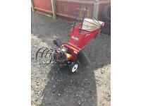 Wood chipper. (OFFERS)
