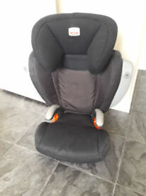 Britax group 2-3 carseat Britax KIDFIX SICT with side impact ( never been in an accident, good cond)