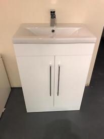 New 60cm vanity unit