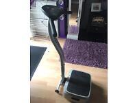 Exercise fitness vibration plate machine