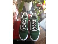 Vans green canvas trainer new size 9.5