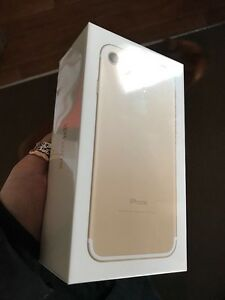 iPhone 7 Rogers Gold 32Gb Sealed