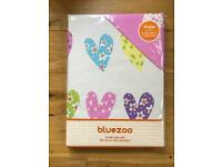 Bluezoo by Debenhams 'Hearts' single duvet set and matching single fitted sheet.