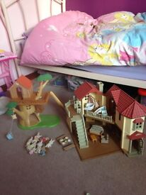 Sylvanian Families Beechwood hall and treehouse, with working lights