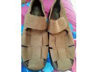 Jones Bootmaker £100+ Italian luxury men's size 9 closed-toe brown suede sandals