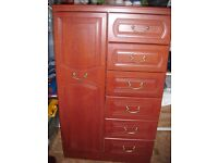 WARDROBE AND CHEST OF 6 DRAWS COMBI