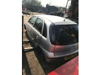 Vauxhall corsa c 1.8 2006 breaking for parts