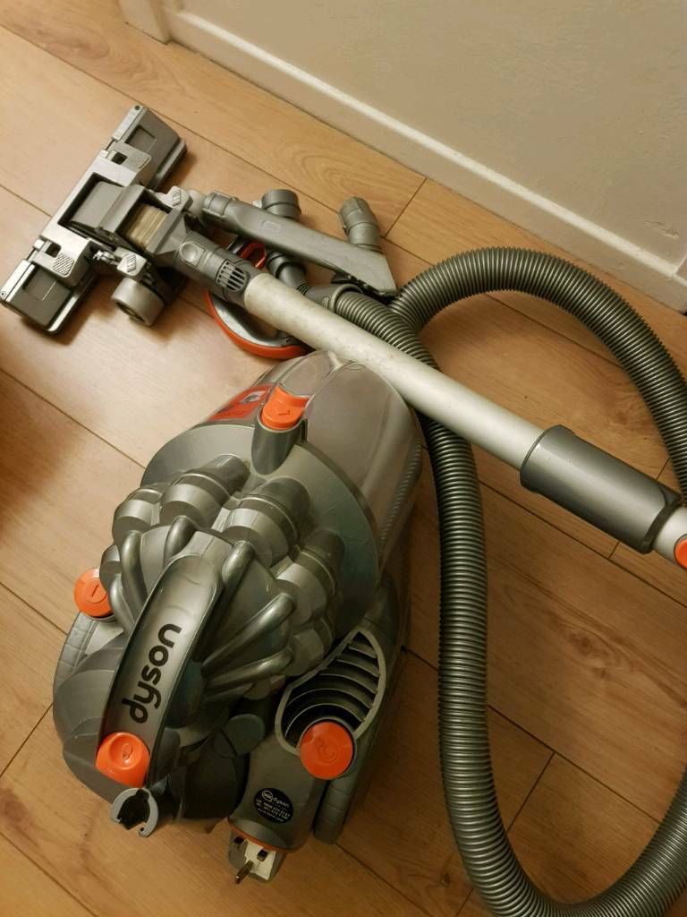 Dyson vacuum cleaner with all tools as in picture very good condition