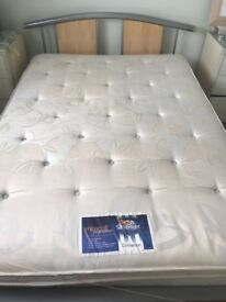 Dovan Double bed
