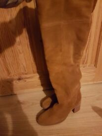River island new size 6 suade boots