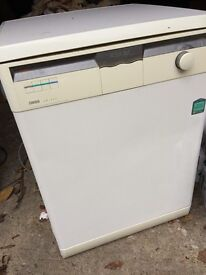 Dishwasher Zanussi DW 927 for Sale - Very Good Price! Just £40!