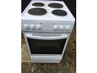 ELECTRIC COOKER SINGLE OVEN AND GRILL COST £210 ONLY 4MONTHS OLD £79