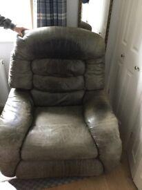 Green la-z-boy manual recliner chair