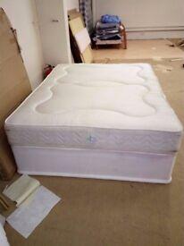 "Kingsize divan bed 5' x 6'6"" base & mattress new unused ex-display"