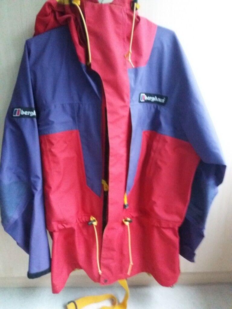 c950271531 Mans Berghaus Waterproof coat and trousers