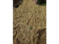 6 bags of Cotswold gold gravel 20mm