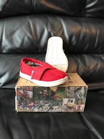 Red toms size 4 infant sizes. (Toddler) perfect condition