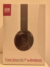 BRAND NEW Beats by Dr Dre Solo 3 wireless headphone - gloss black