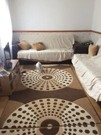 2 bedrooms available for rent in a 3 bedroom house