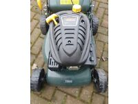 *Brand New* 135cc petrol lawnmower