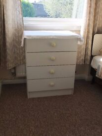 Chest of drawers, white, wood. 4 drawers. Good condition.