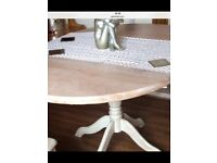 Shabby chic dinning kitchen table