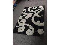 Black and grey rug 120cmx170cm