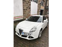 Alfa Romeo Giulietta Lusso 1.6 JTDM 2012 in White