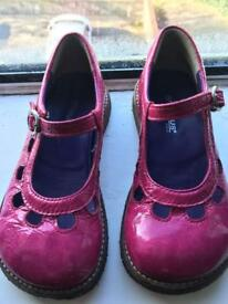 Girl's / Toddler pink shoes size 28