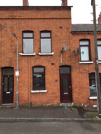 21 lawnview Street Belfast BT13 3BZ 4 Bed Redecorated PVC Excellent Family Home