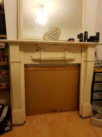 Fireplace/fire surround