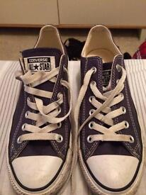 Navy blue converse all stars size 6